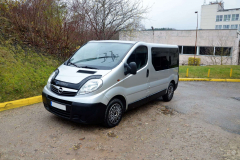 opel-vivaro-passazhirskie-do-3-5-t